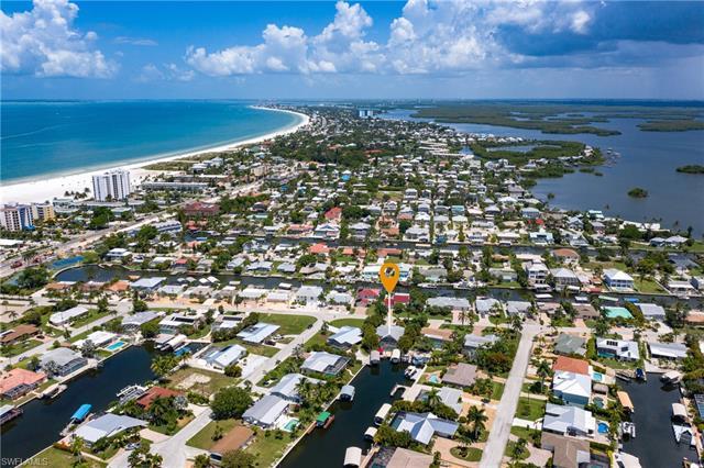 210 Albatross St, Fort Myers Beach, Fl 33931