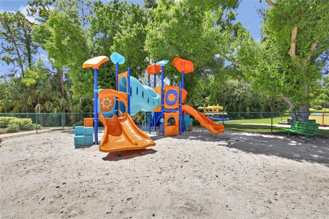 25610 Springtide Ct, Bonita Springs, Fl 34135
