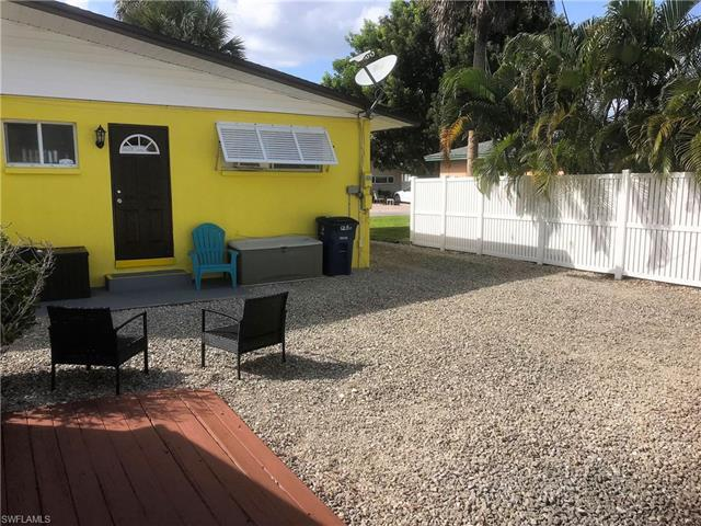 128 Jefferson St, Fort Myers Beach, Fl 33931