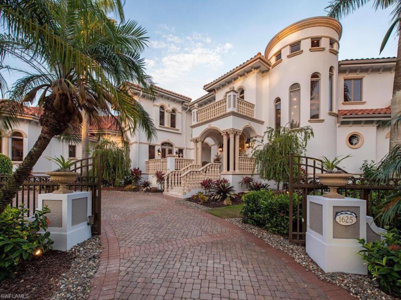1625 S Gulf Shore Blvd, Naples, Fl 34102