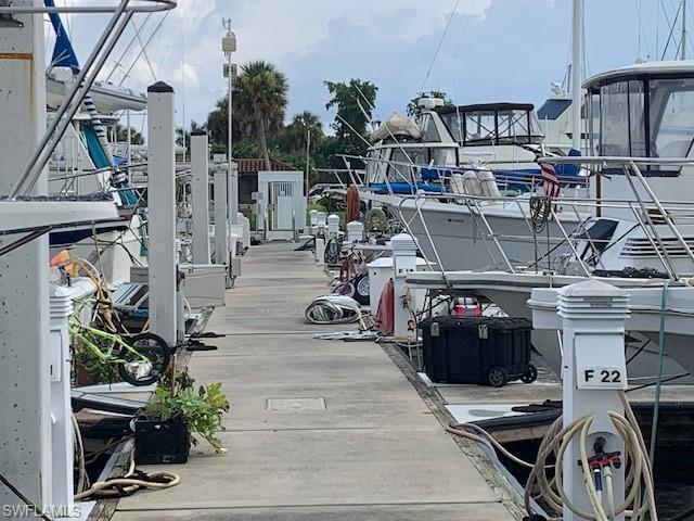 525 Newport Dr, Naples, Fl 34114