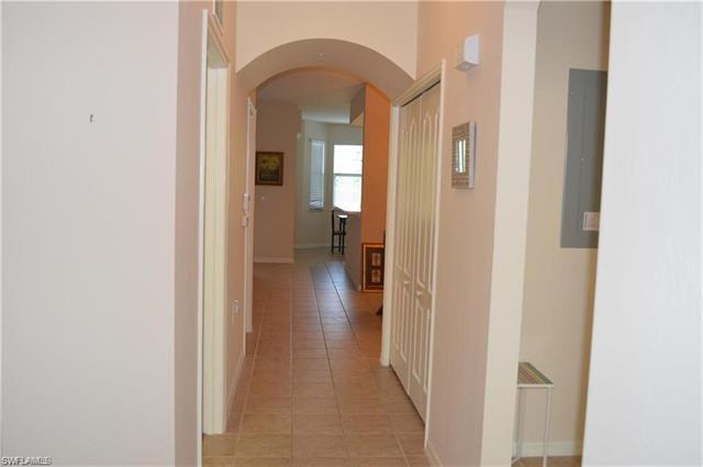 2835 Cypress Trace Cir #4 102, Naples, Fl 34119