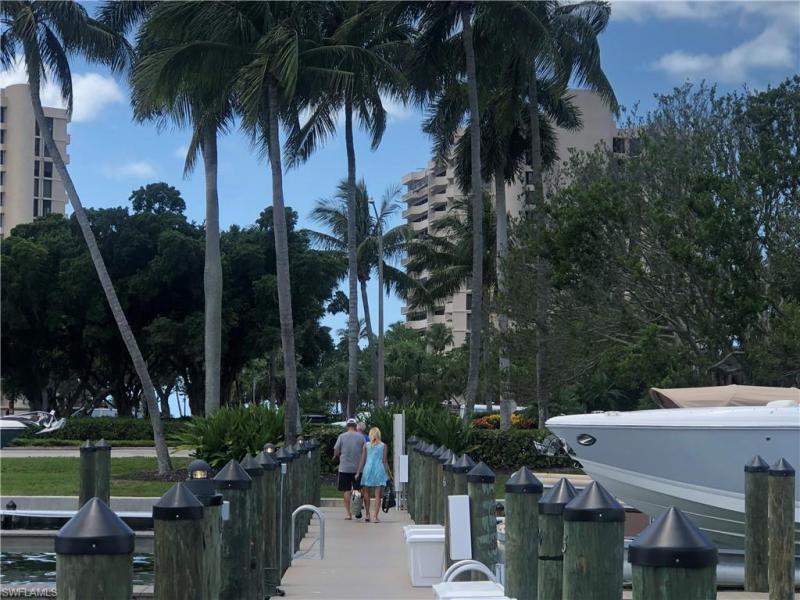 4090 N Gulf Shore Blvd, Naples, Fl 34103