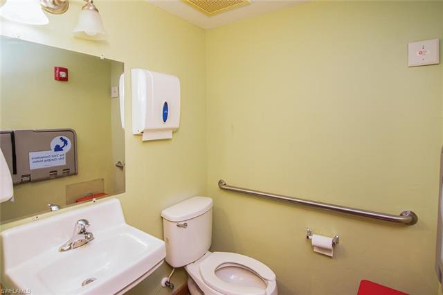 5285 E Summerlin Rd #101, Fort Myers, Fl 33919