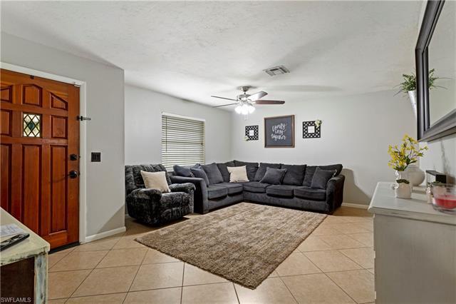 7416 Pine Dr, Fort Myers, Fl 33967