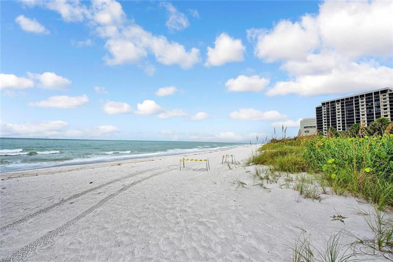 10701 Gulf Shore Dr #402, Naples, Fl 34108
