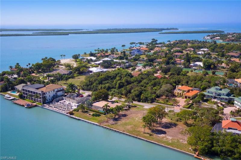 945 Caxambas Dr, Marco Island, Fl 34145