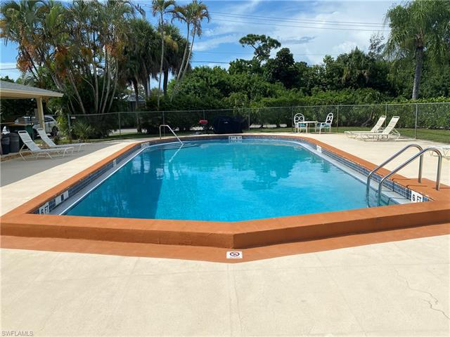 1155 Rosemary Ct #b 107, Naples, Fl 34103