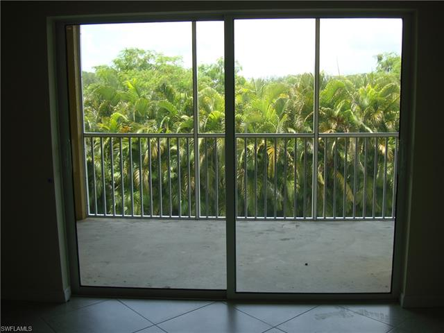 1051 Winding Pines Cir #208, Cape Coral, Fl 33909
