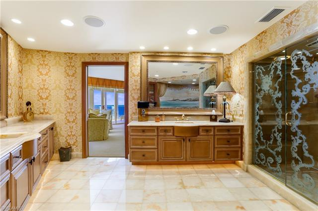 4601 N Gulf Shore Blvd #15, Naples, Fl 34103