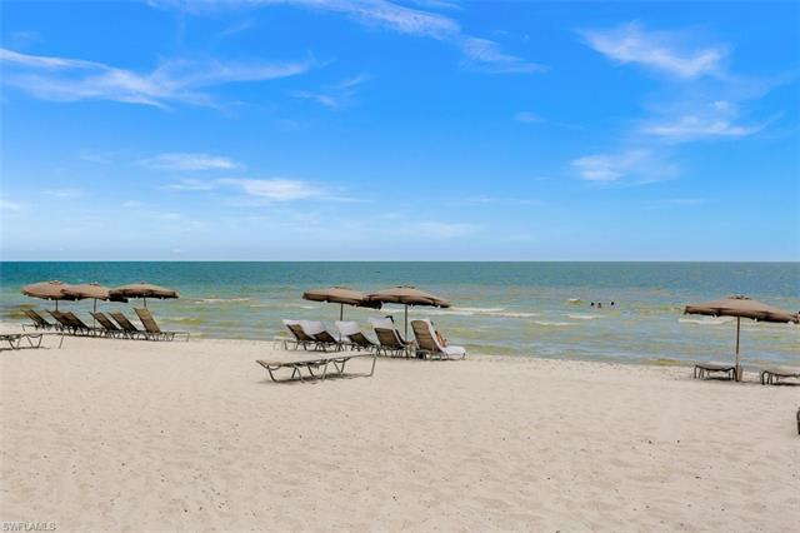 11125 Gulf Shore Dr #701, Naples, Fl 34108
