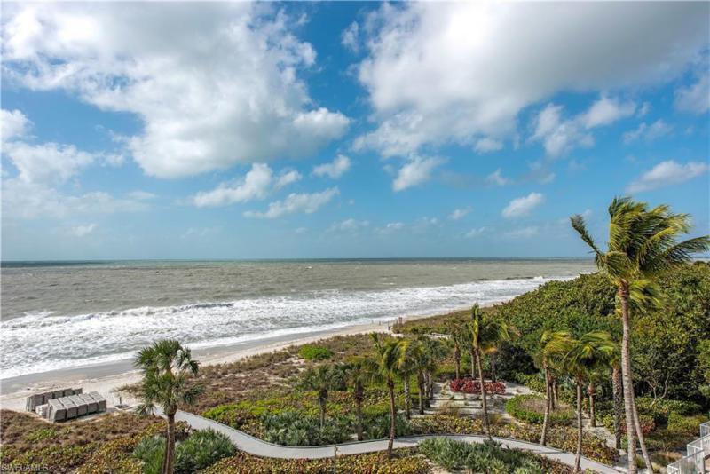 11125 Gulf Shore Dr #405, Naples, Fl 34108