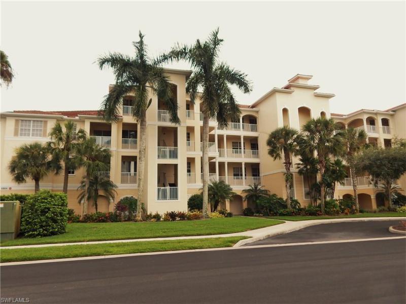 New listing For Sale in LAKE BARRINGTON Naples FL