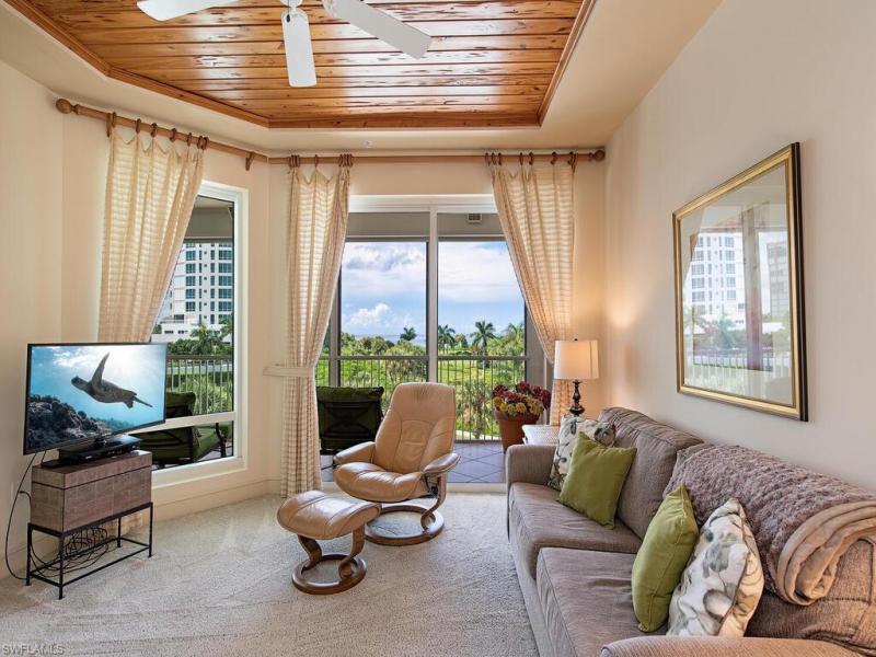 4201 N Gulf Shore Blvd #401, Naples, Fl 34103