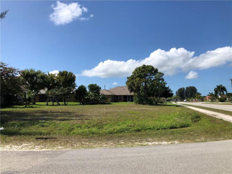 3704 Sw 19th Ave, Cape Coral, Fl 33914