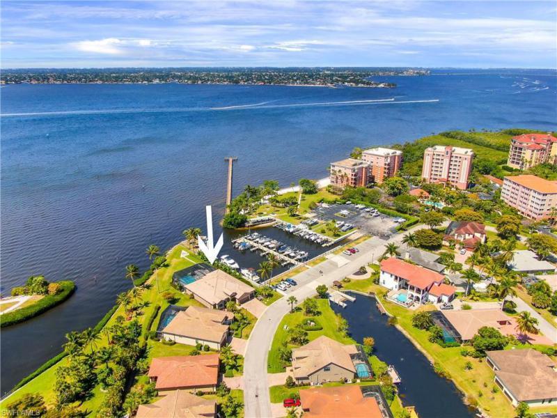 14791 Laguna Dr, Fort Myers, Fl 33908
