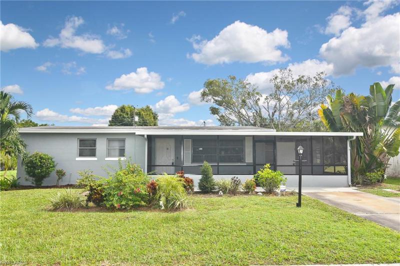For Sale in MEAD VILLAS Fort Myers FL