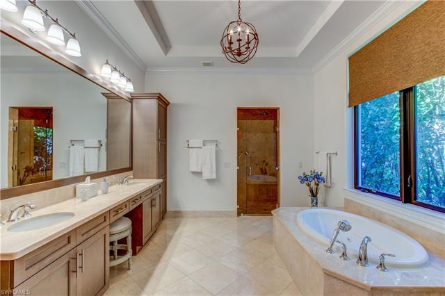 2252 Residence Cir, Naples, Fl 34105