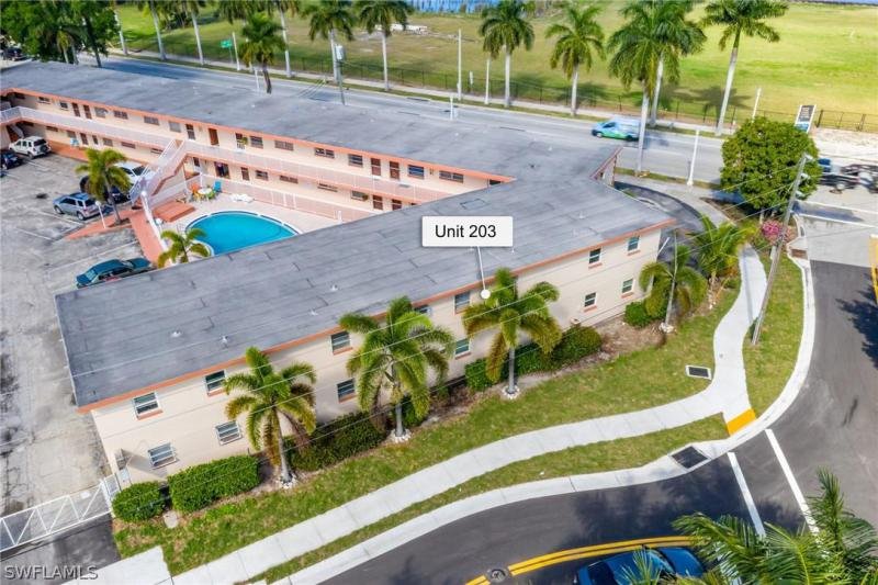 2590 First Street #203, Fort Myers, Fl 33901