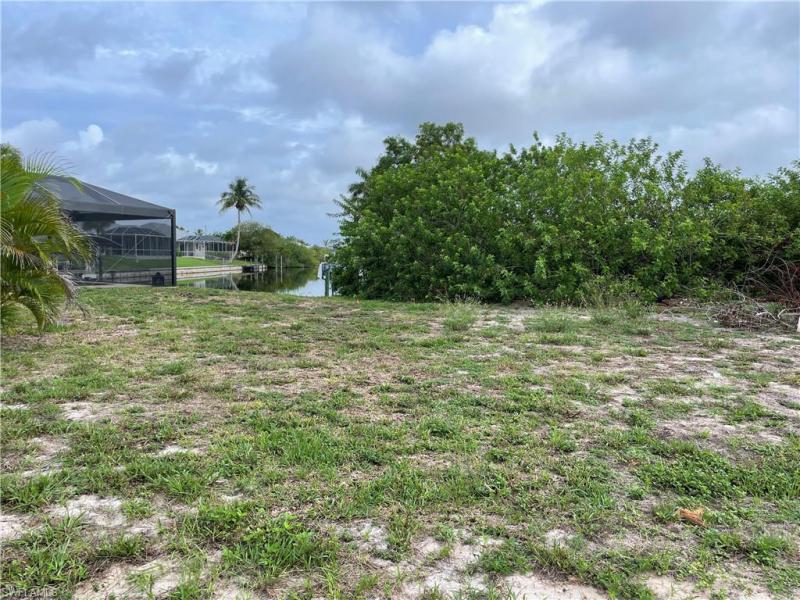 2337 Sw 28th Terrace, Cape Coral, Fl 33914
