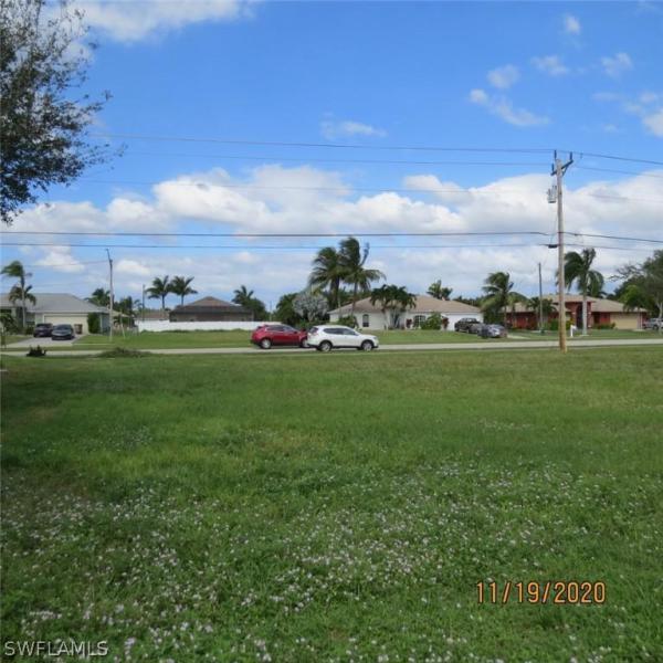 2612 Surfside Boulevard , CAPE CORAL, FL  33914 $102,000