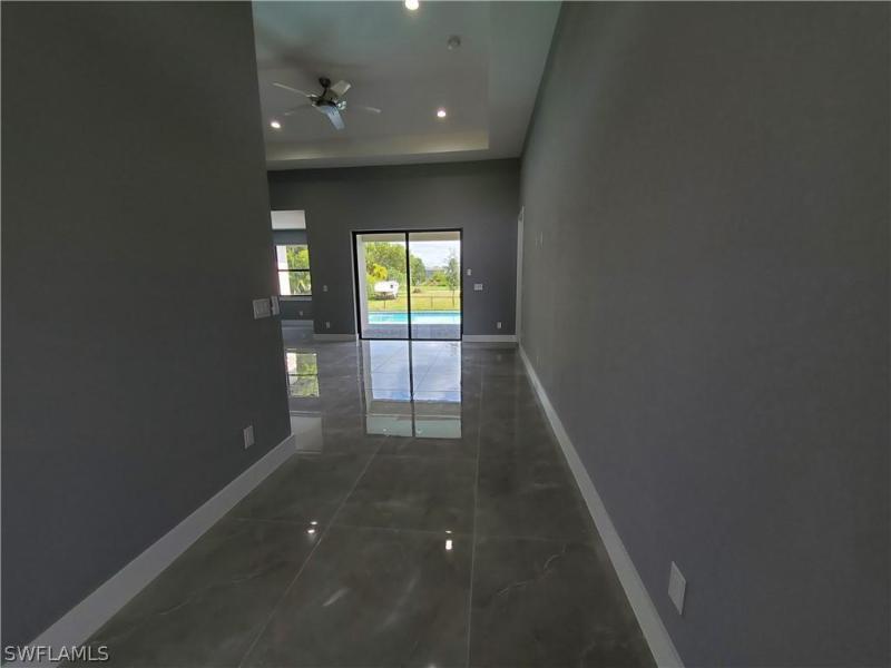 1209 Nw 37th Avenue, Cape Coral, Fl 33993