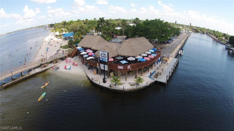 2817 Nw 22nd Place, Cape Coral, Fl 33993