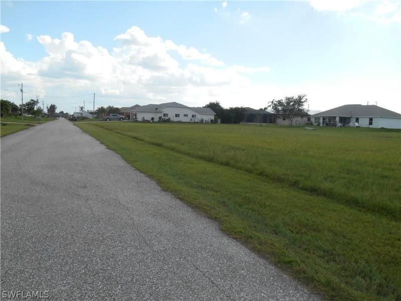526 Nw 37th Avenue, Cape Coral, Fl 33993