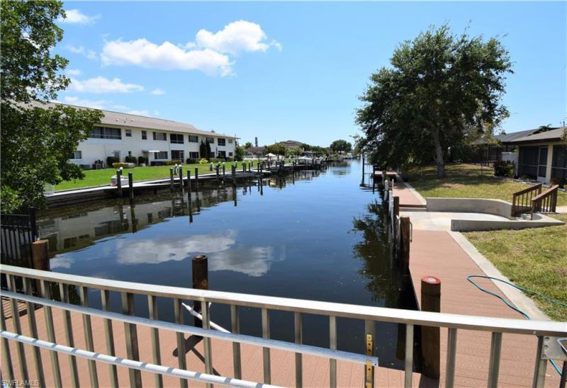 For Sale in VIENTO DE MAR CONDO Cape Coral FL