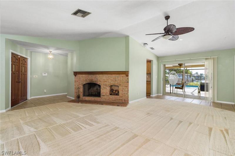 2909 Se 20th Avenue, Cape Coral, Fl 33904