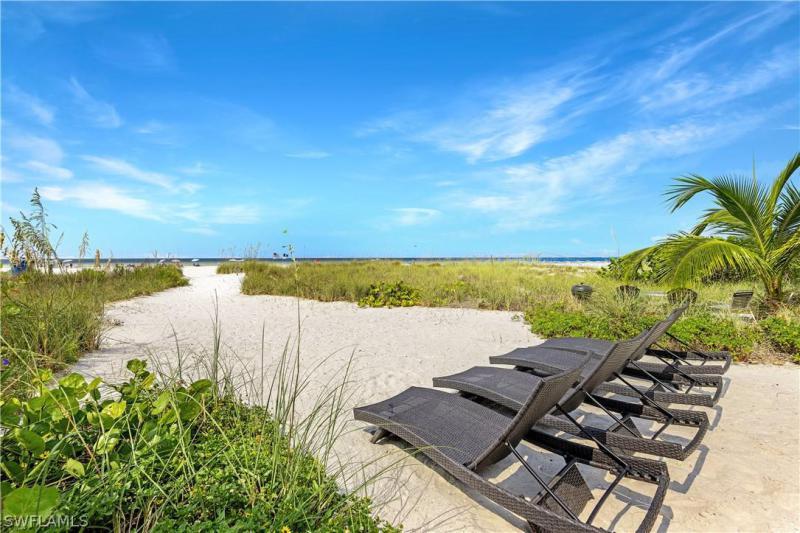 61 Delmar Avenue, Fort Myers Beach, Fl 33931