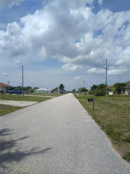 2015 Nw 9th Place, Cape Coral, Fl 33993