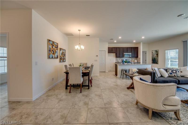 1424 Sw 17th Avenue, Cape Coral, Fl 33991