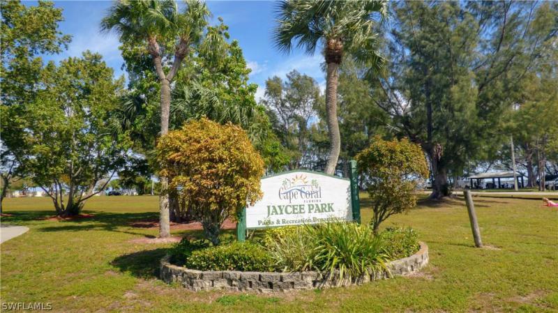 1953 Beach Parkway #202, Cape Coral, Fl 33904