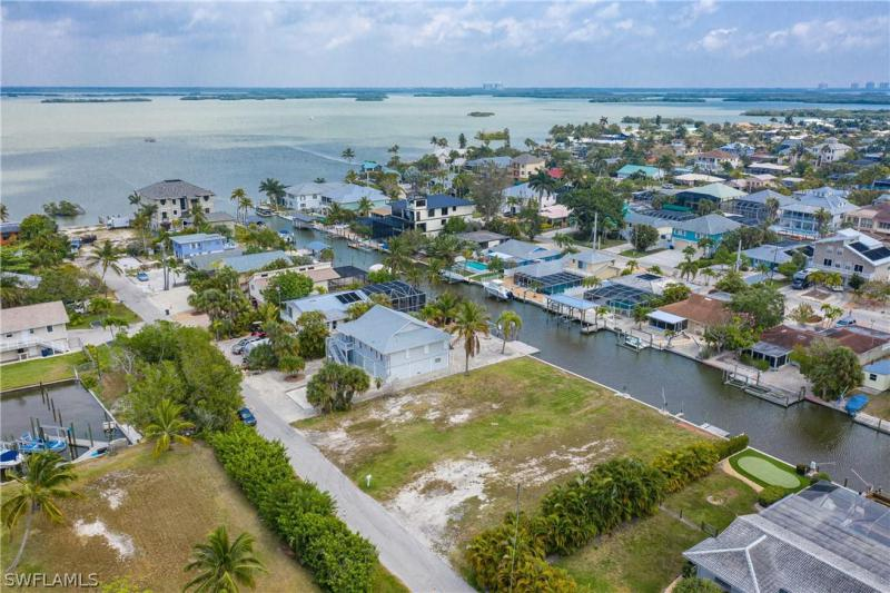 190 Bahia Viaduct, Fort Myers Beach, Fl 33931