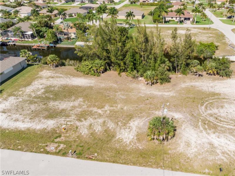 2505 Sw 30th Terrace, Cape Coral, Fl 33914