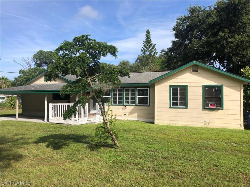 For Sale in RUSSELL PARK ANEX FORT MYERS FL