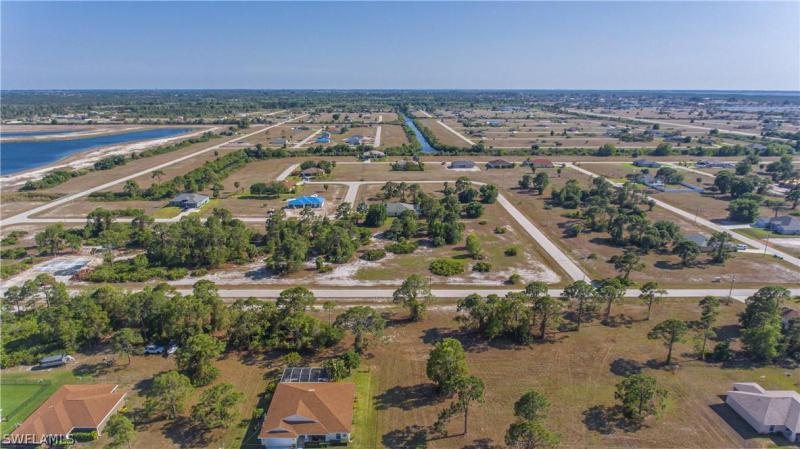 3703 Nw 42nd Lane, Cape Coral, Fl 33993