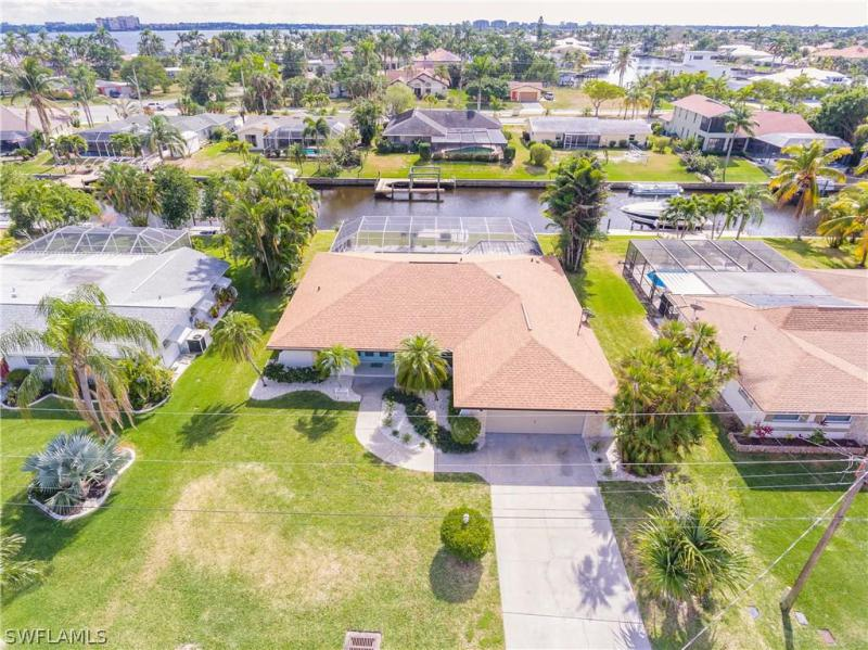 1424 Windsor Court, Cape Coral, Fl 33904