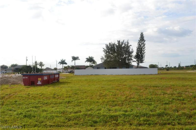 2240 Nw 5th Street, Cape Coral, Fl 33993