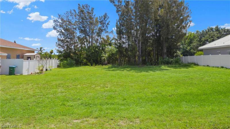 119 Se 16th Place, Cape Coral, Fl 33990