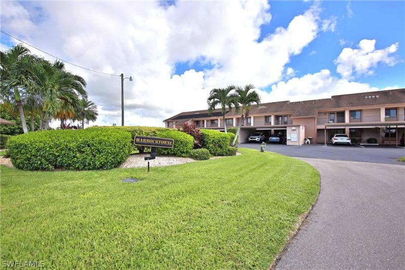 For Sale in HARBOURTOWNE OF CAPE CORAL CAPE CORAL FL
