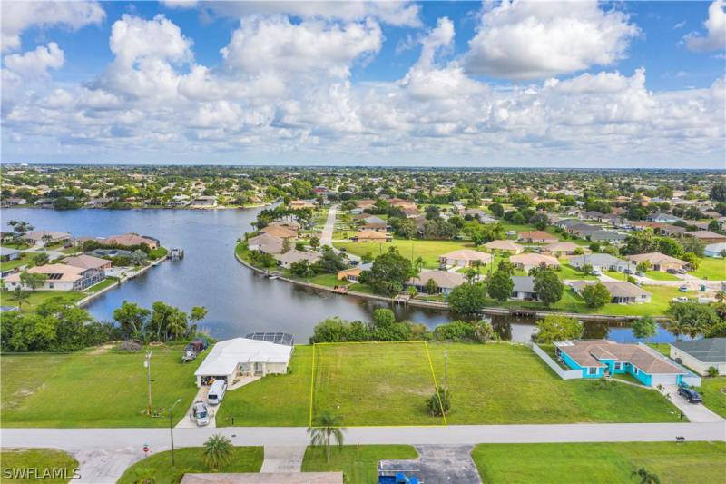 505 Se 7th Street, Cape Coral, Fl 33990