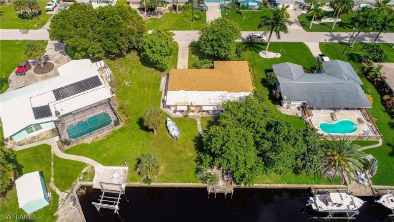 5310 Bayview Court, Cape Coral, Fl 33904