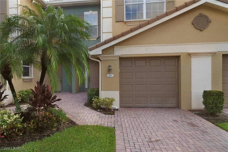 For Sale in COTTONWOOD BEND FORT MYERS FL
