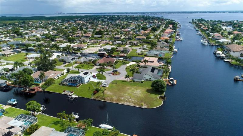 2658 Se 19th Avenue, Cape Coral, Fl 33904