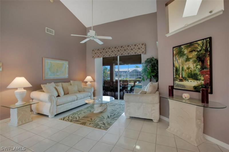 4912 Sw 11th Place, Cape Coral, Fl 33914