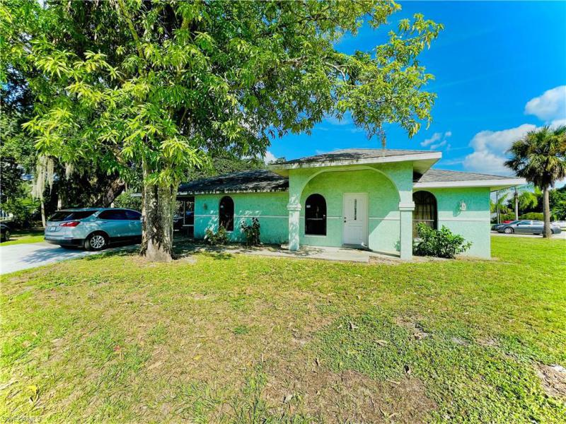 For Sale in FORT MYERS FORT MYERS FL