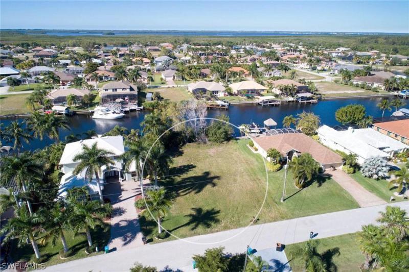 2546 Sw 27th Place, Cape Coral, Fl 33914