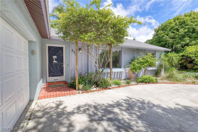 2219 Se 2nd Street, Cape Coral, Fl 33990